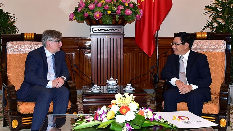 vietnam spain urged to step up multi dimensional ties