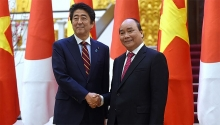 vietnamese japanese pms agree to elevate ties during talks