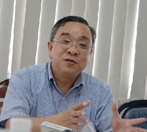 industry trade officials speak about administrative reform