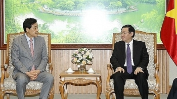 deputy pm calls for korean groups investment in finance