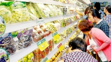 thai fruits vegetables to flood vietnamese market