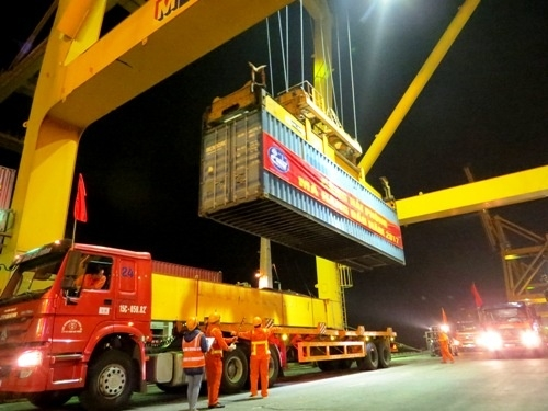 vietnams logistics sector too expensive to compete with foreign rivals experts