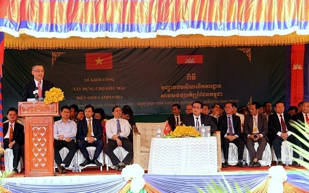 vietnam invests us 2 million to build border market with cambodia
