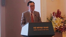 program helps foreign diplomats to increase their understanding of vietnam