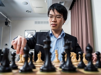 liem ties with argentinian player at chess festival