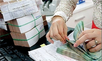 banks deposit rates rise as usual at year end