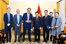 uk gives priority to cooperation with vietnam