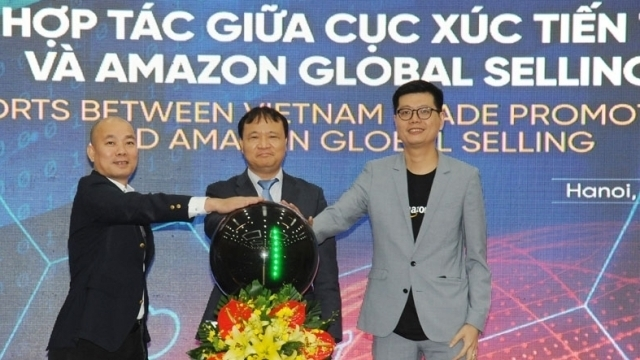 viettrade unveils deal with amazon global selling