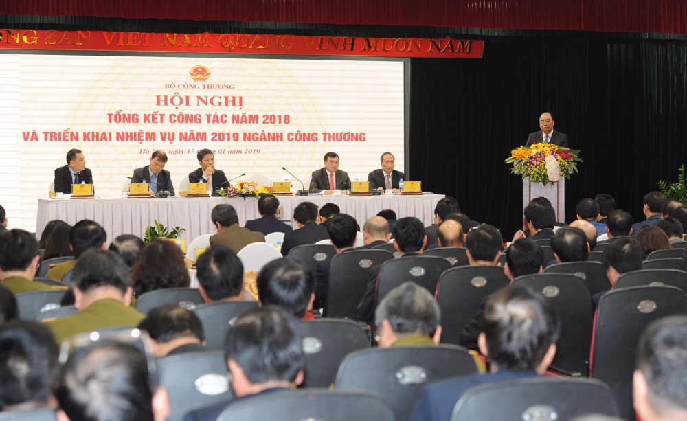 pm industry and trade sector must accelerate reform process