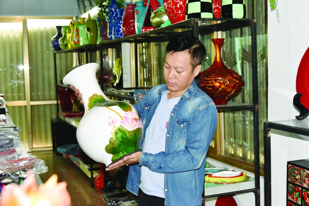 the lure of ha thai lacquer products