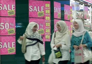 malaysians to spend less in 2017 expert