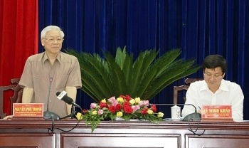general secretary nguyen phu trong works with bac lieu