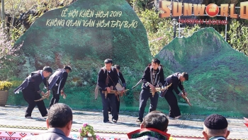 spring festival of opening fansipan heavens gate opens in sapa