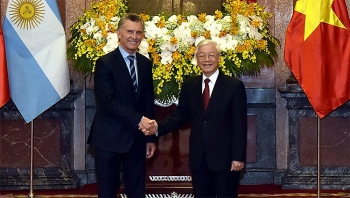 argentine president welcomed in vietnam