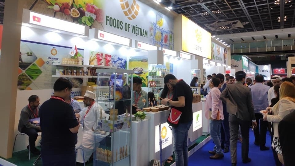 Vietnamese firms sign large contracts at Gulfood Exhibition