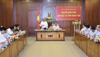 prime minister stresses tourism driven economy in khanh hoa