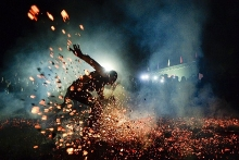 vietnamese firewalking photo hot foots into final round of smithsonian contest