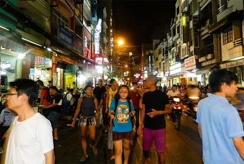 what will become of saigons backpacker district after street cleanup campaign