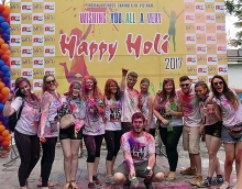 indian holi festival celebrated in hanoi