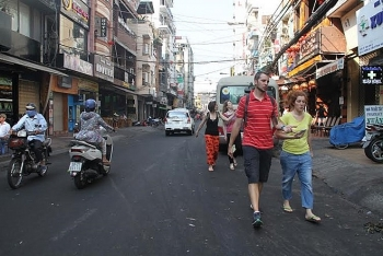 saigon to ban vehicles from bui vien backpacker street