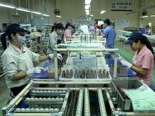 japanese investors shift eye to service sector