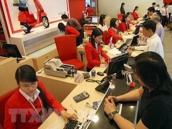 foreign banks assure continued presence in vietnam