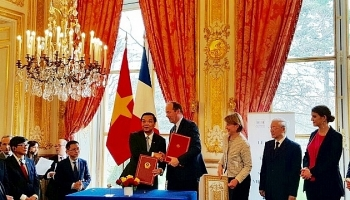 vietnam france boost cooperation in space technology and intellectual property