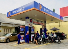 petrol prices up nearly 1000 vnd per litre