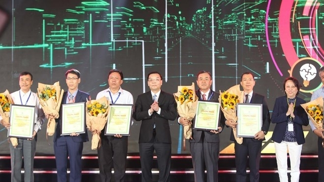 awards recognize vietnamese firms with high quality products