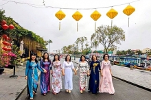 women encouraged to wear ao dai for week long cultural event