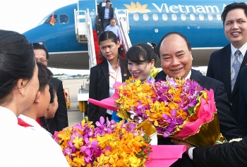 pm leaves for visit to cambodia