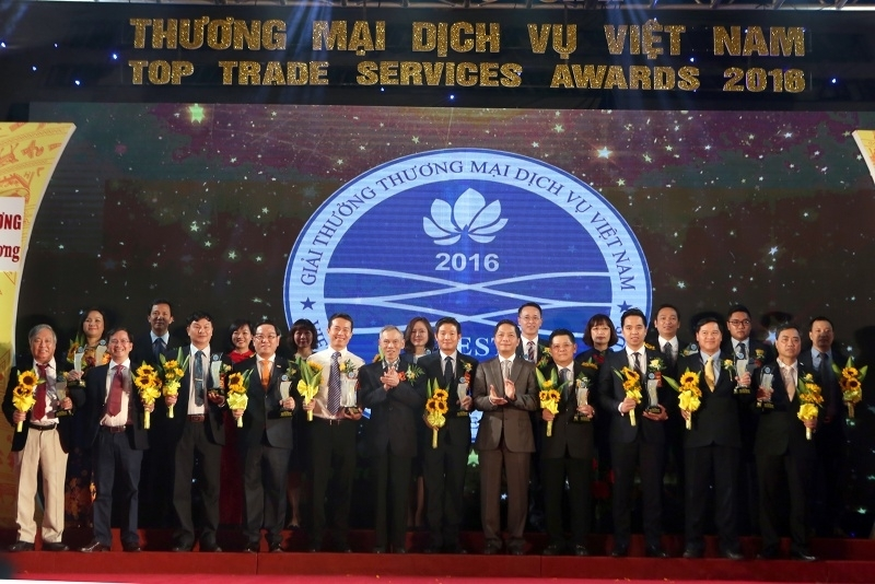 vietnam top trade services awards honor over 100 typical enterprises and entrepreneurs