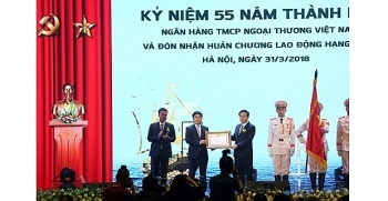 vietcombank honored with labor order first class