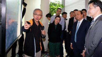 vietnamese pm meets with scientists intellectuals in singapore