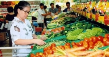 vietnams cpi up slightly in april