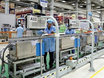 leading us firms explore business opportunities in vietnam