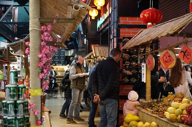 vietnamese cuisine and culture promoted to russian friends