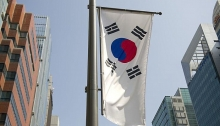 s koreas economy contracts 03 percent qq in q1