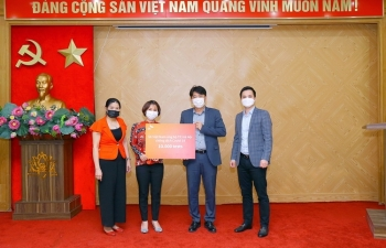 sk vietnam donated sars cov 2 test kits to hanoi