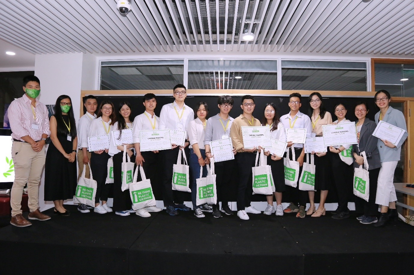 hcmc college students propose innovative plastic waste solutions