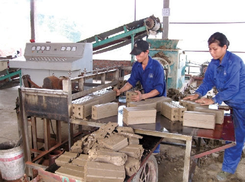 crafting a future for hanois artisans