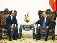 samsung contributes significantly to vietnams economy pm