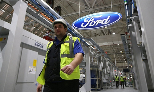 ford to cut 10 pct of global workforce