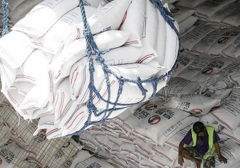 philippine private sector required to import cheap rice