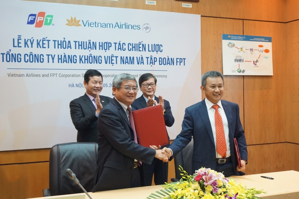 fpt and vietnam airlines signed strategic cooperation agreement