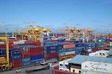 vietnams trade surplus reaches us 339 billion in four months