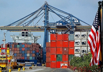 us trade deficit drops for first time in seven months