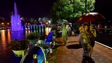 hanoi inaugurates new pedestrian street along west lake