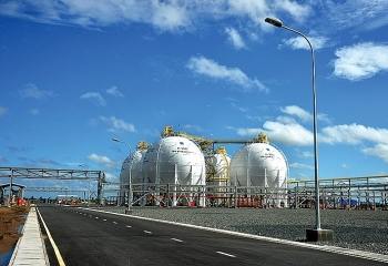 petrovietnam charges up us 439 mln lpg processing facility
