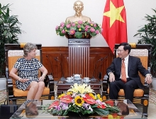 deputy pm lauds vietnam spain strategic partnership